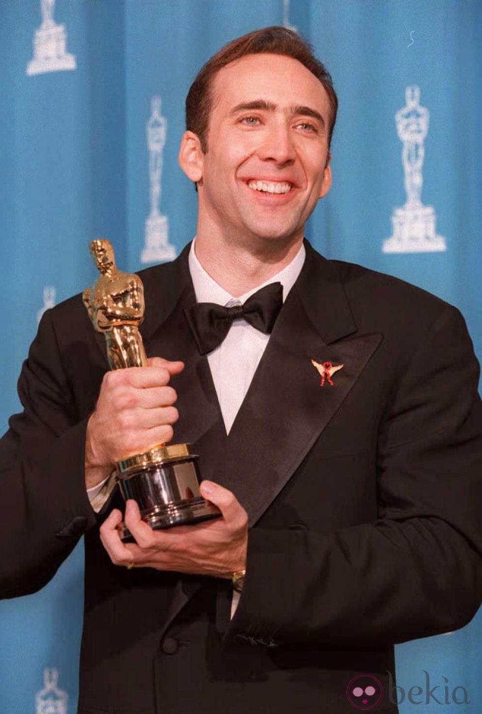 Nicolas Cage antes de mejorar sus dientes