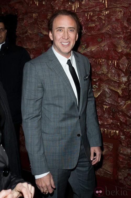 Nicolas Cage después de mejorar sus dientes