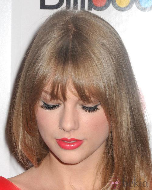 Taylor Swift, una amante de las pestañas postizas
