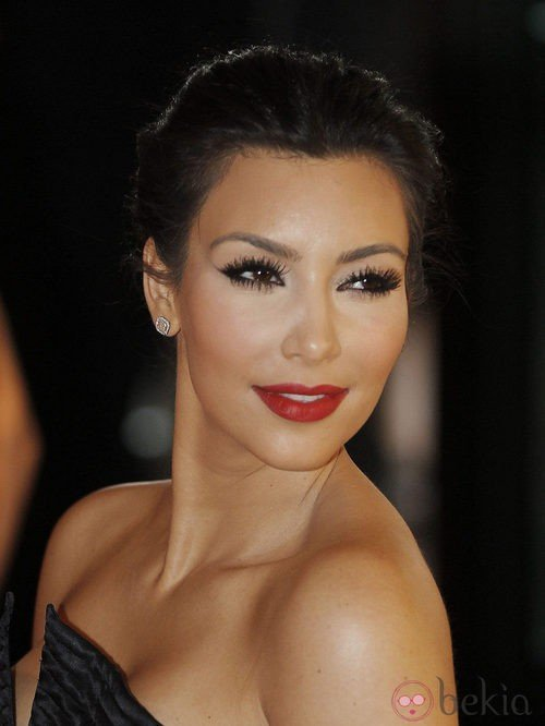 Kim Kardashian, adicta a las pestñas postizas