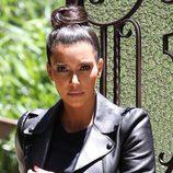 Kim Kardashian con un moño alto