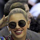 Beyoncé peinada con un moño alto