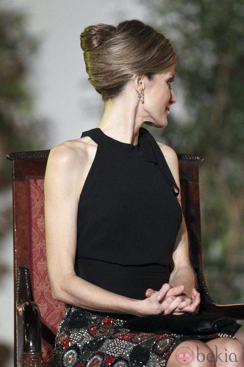La Princesa Letizia peinada con un moño retorcido