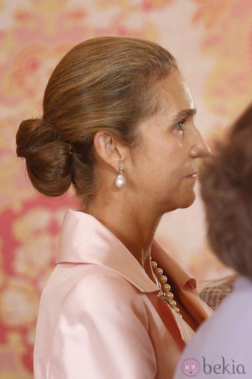 La Infanta Elena peinada con un moño