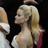 Reese Witherspoon con su melena recogida en una coleta