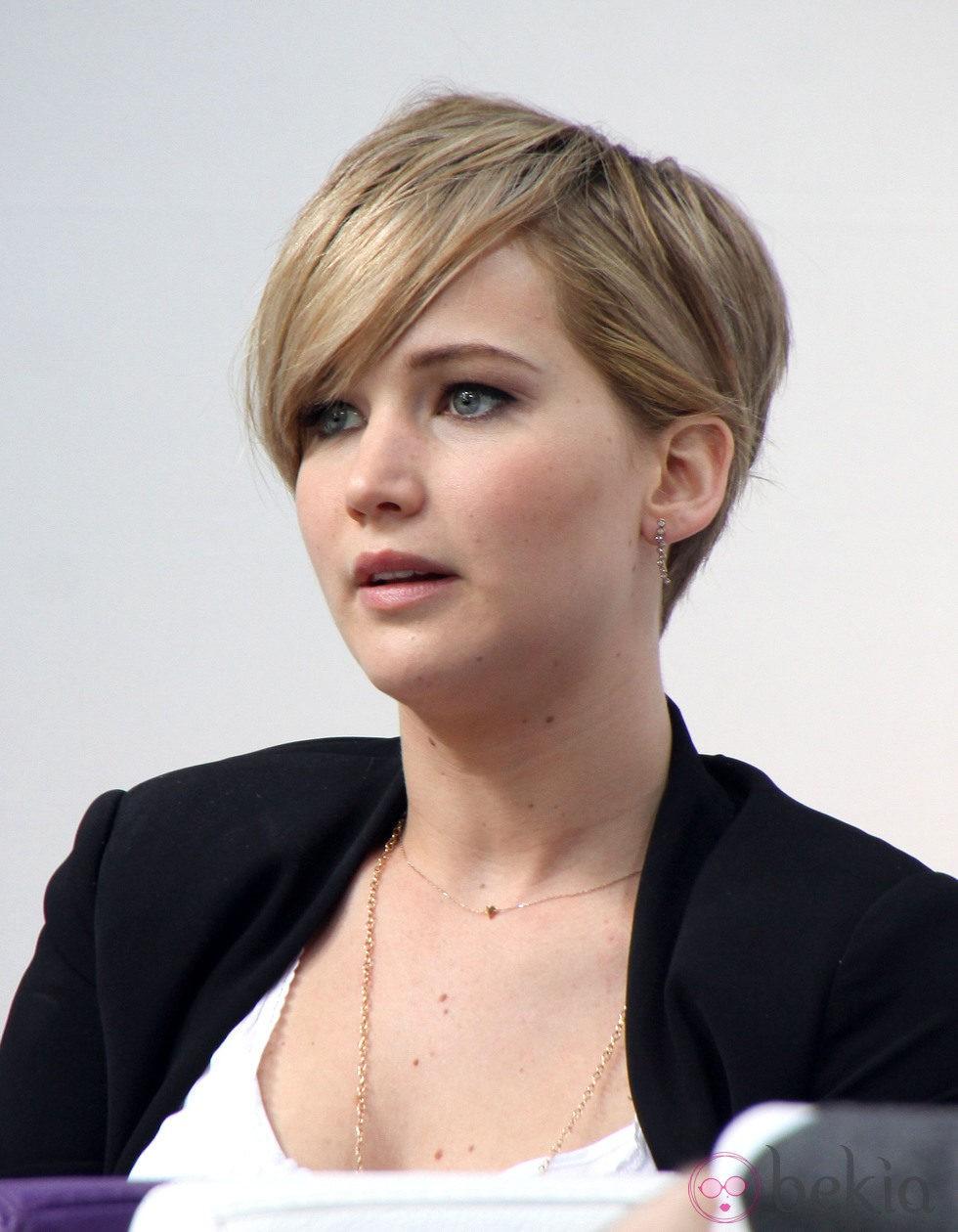 Jennifer Lawrence cambia de look y se apunta al corte pixie