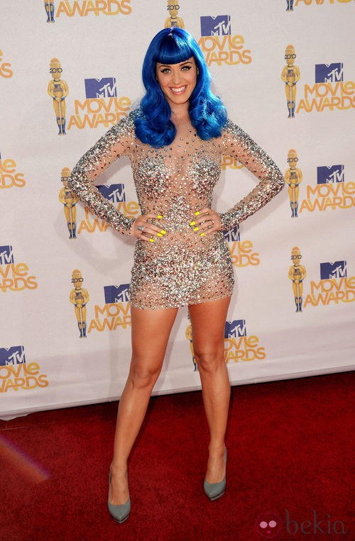 Katy Perry en los MTV Movie Awards 2010 con el pelo azul