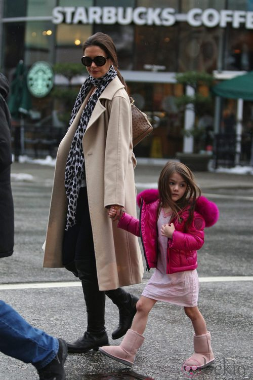 Katie Holmes y su pequeña con el mismo peinado