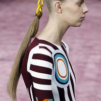 Dior reinventa la coleta en su desfile de Alta Costura en París