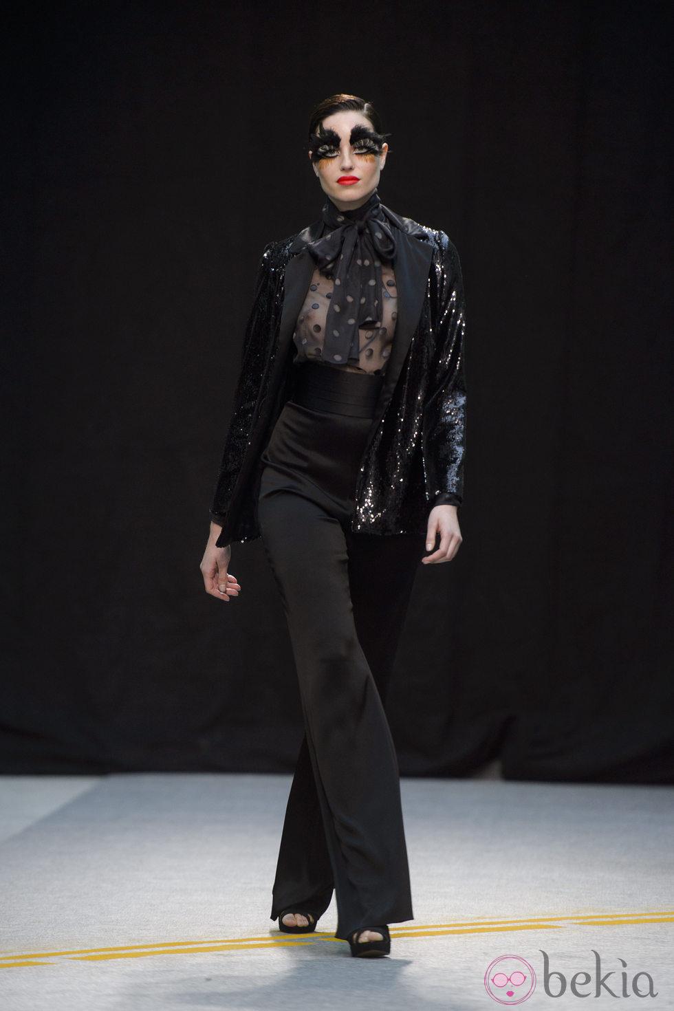 Maquillaje de ojos en negro de Maybelline NY en MFShow Women en Madrid