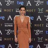 María León con tupé y dando protagonismo a sus ojos en los Premios Goya 2015