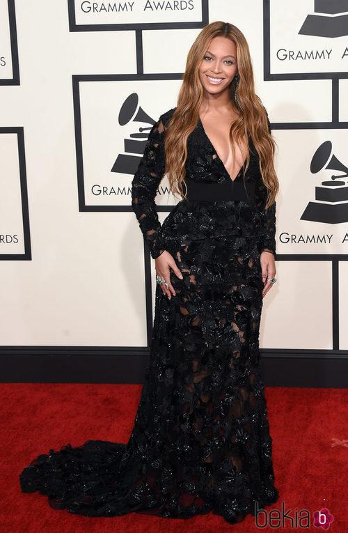 Beyoncé con una melena surfera en los Grammy 2015
