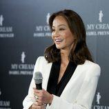 Isabel Preysler, feliz en la presentación de su línea de cosméticos 'My Cream'