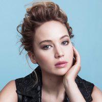 Jennifer Lawrence posando como imagen de 'Dior Addict'