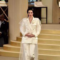 Kendall Jenner luciendo bob en el desfile de Chanel de la Semana de la Alta Costura de París