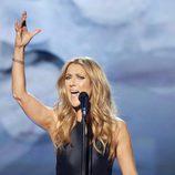 Celine Dion durante su actuación en los American Music Awards 2015