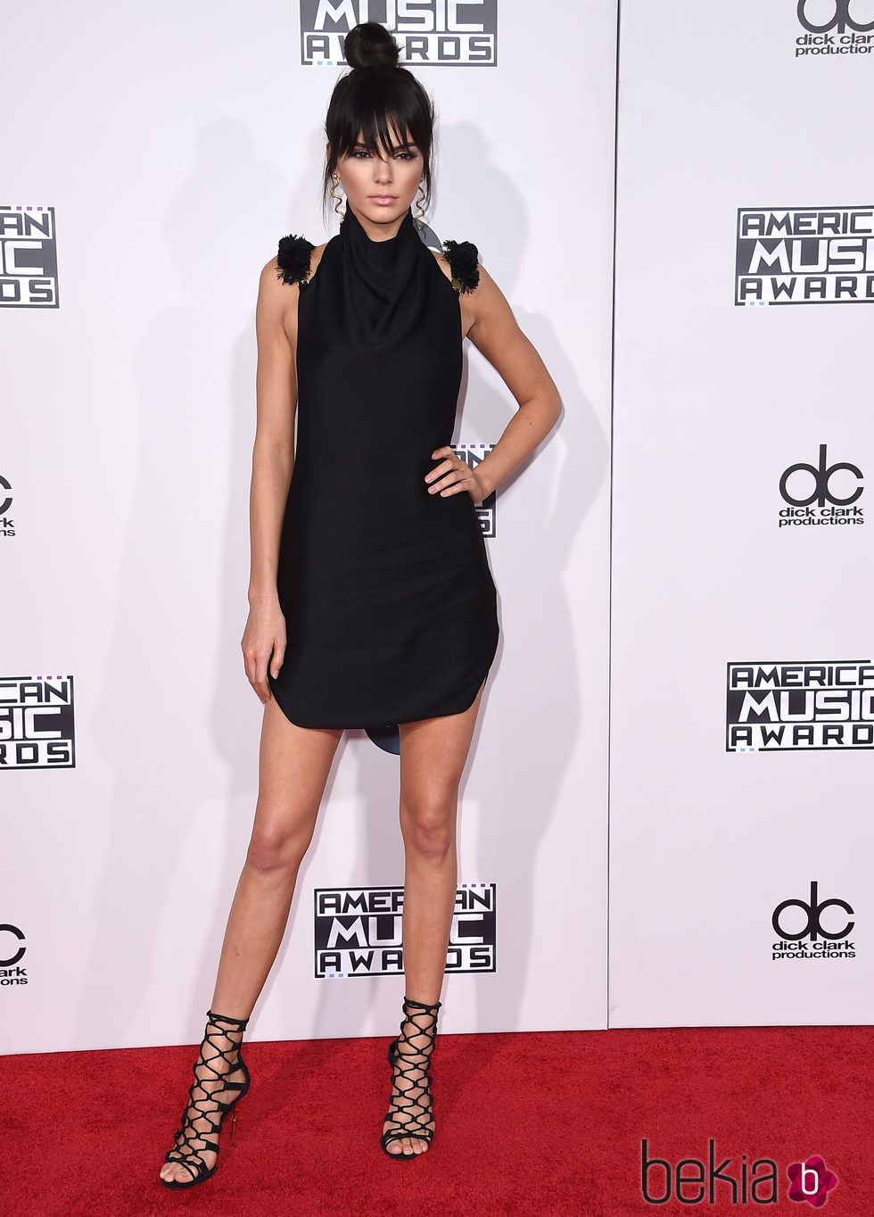Kendall Jenner, nueva imagen gracias a su flequillo