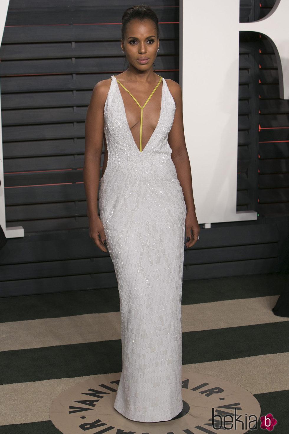 Kerry Washington se olvida del pintalabios en la fiesta Vanity Fair de los Oscars 2016
