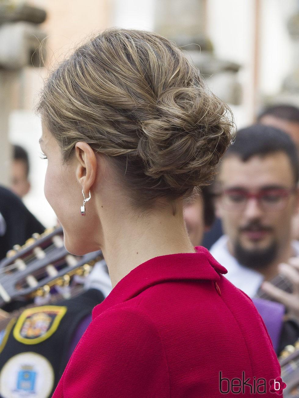 Recogido en forma de flor de la Reina Letizia