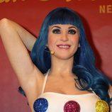Katy Perry con una de sus pelucas para su gira 'Primastic World Tour'