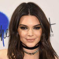 Kendall Jenner con un look muy roquero en la presentación de Estee Lauder