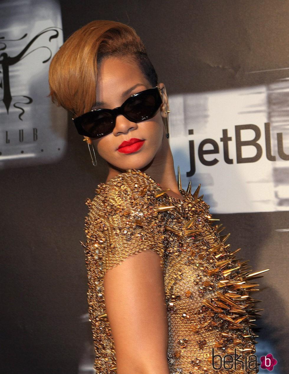 Rihanna en la fiesta de lanzamiento de su disco Rated R en 2009