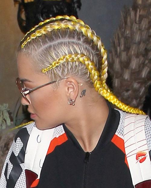 Rita Ora con boxer braids en Hollywood