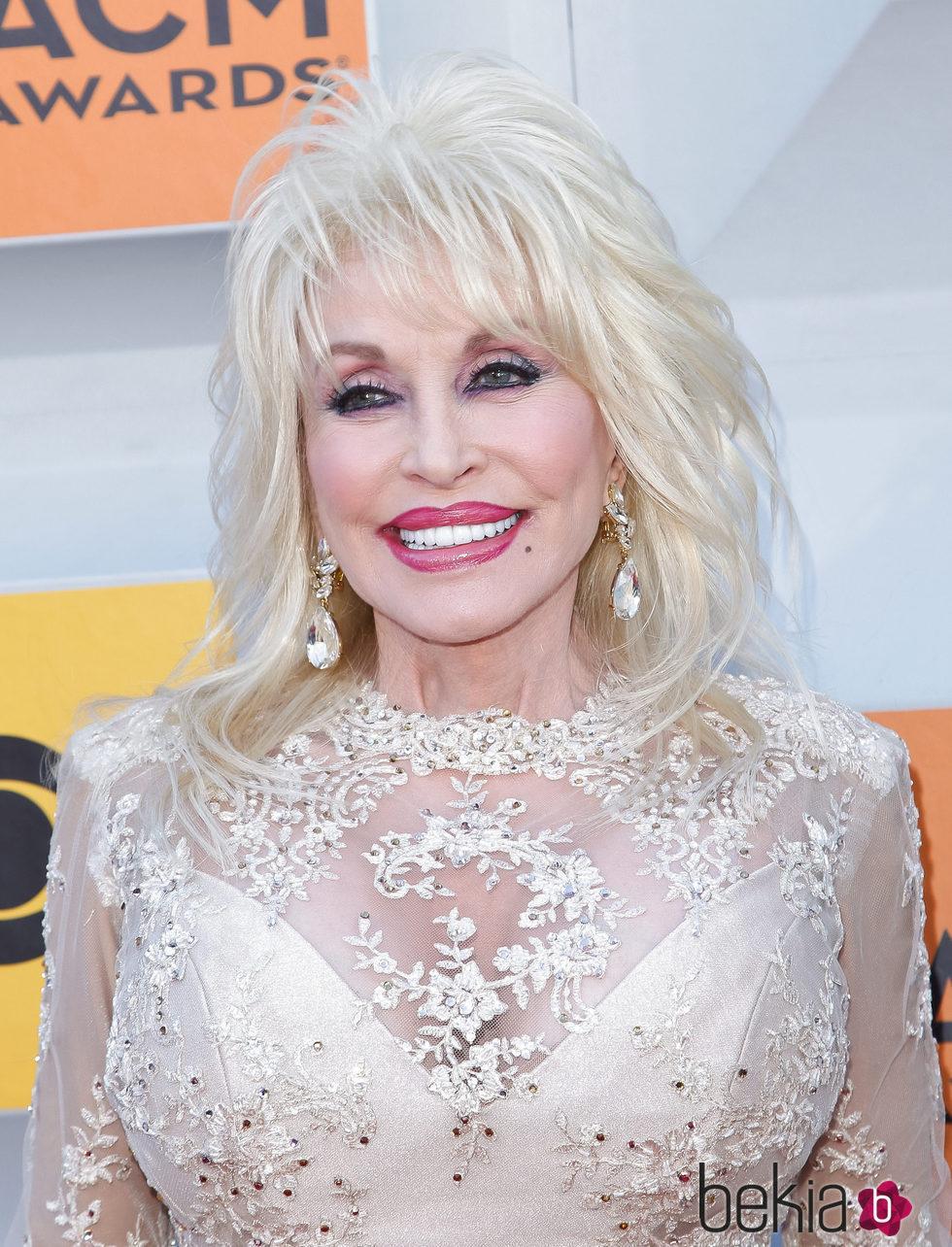 Dolly Parton en los  51 Academy of Country Awards