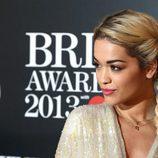 Rita Ora en los BRIT Awards 2013
