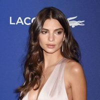 Emily Ratajkowski en 18th Costume Designers Guild Awards