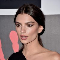 Emily Ratajkowski en 2015 Rihanna and The Clara Lionel Foundation Host 2nd Annual