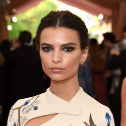 Emily Ratajkowski en 2015  'China: Through The Looking Glass