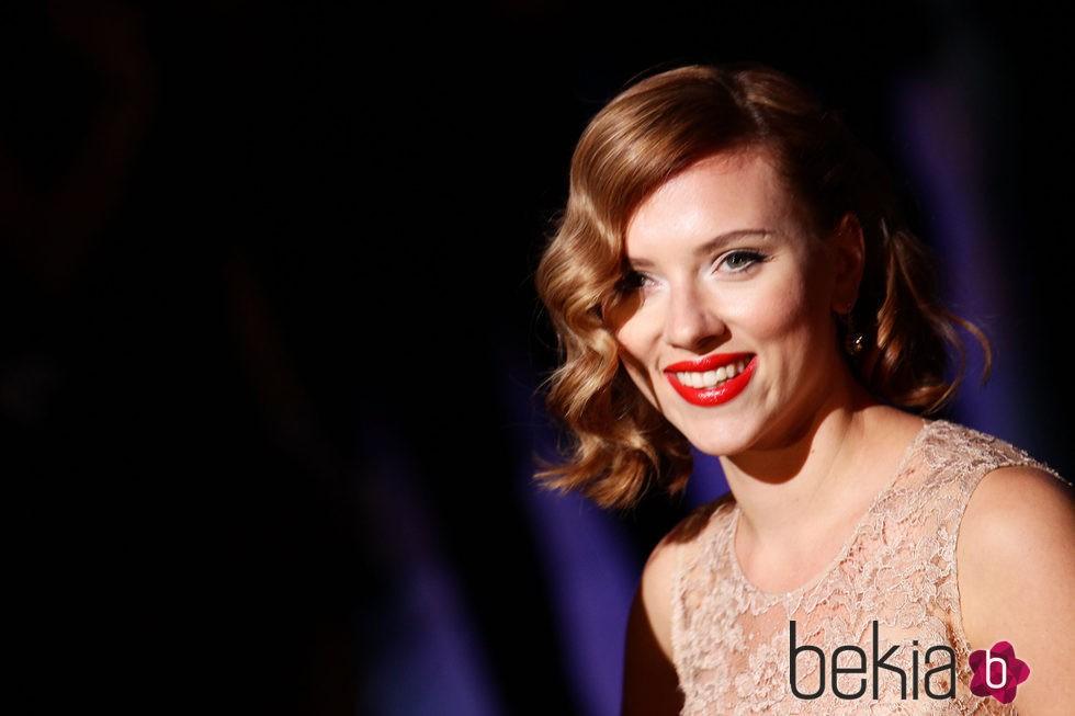Scarlett Johansson en 2011 Milan Fashion Week Womenswear Spring Dolce & Gabbana
