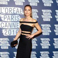Lana Zakocela en la fiesta 'Blue Obssesion' de L'oréal Paris durante el Festival de Cannes 2016