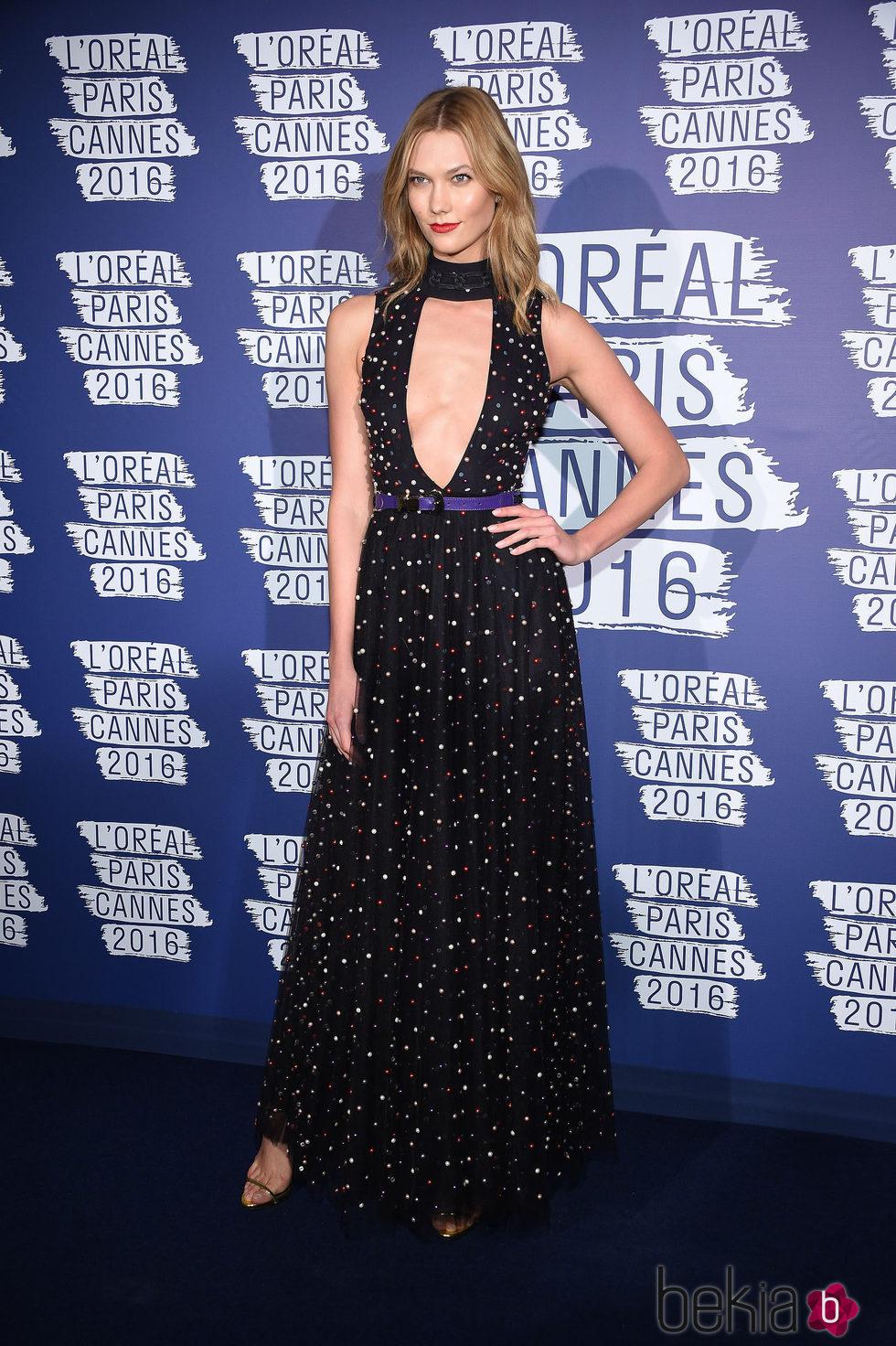 Karlie Kloss en la fiesta 'Blue Obssesion' de L'oréal Paris durante el Festival de Cannes 2016