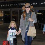 Amy Adams con la piel seca en el aeropuerto de Los Angeles