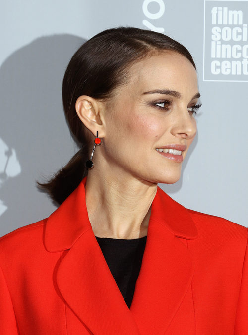 Natalie Portman con una mini coleta baja