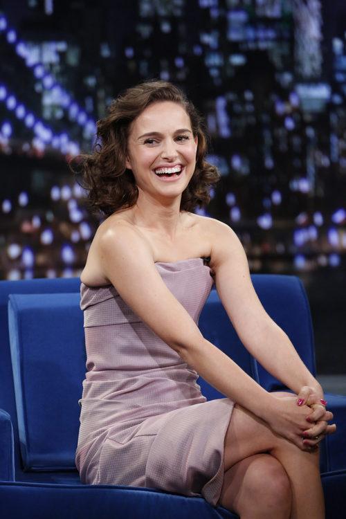 Natalie Portman con un corte bob y ondas marcadas