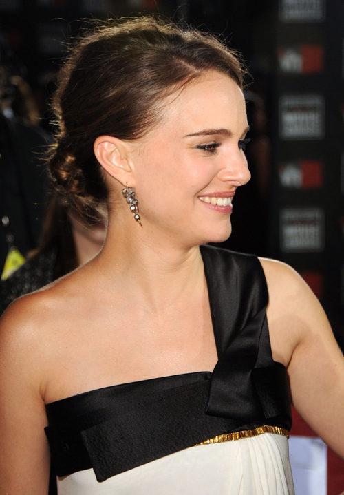 Natalie Portman con un moño bajo