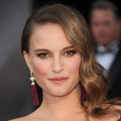 Natalie Portman con un peinado Old Hollywood