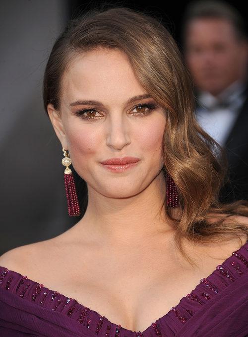 Natalie Portman con un peinado Old Hollywood