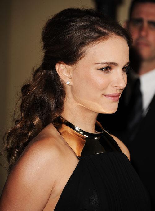 Natalie Portman con medio recogido con volumen