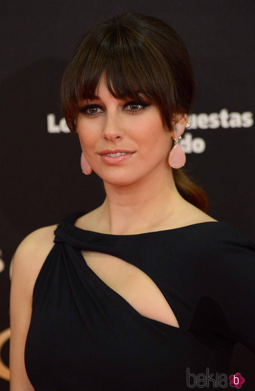 Blanca Suárez con coleta baja y flequillo