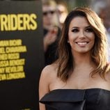 Eva Longoria con un make up en ahumados dorados y marrones