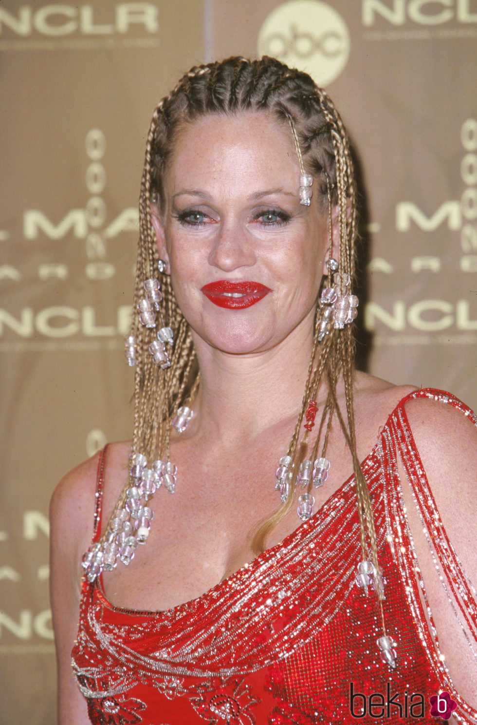 Melanie Griffith con un peinado con trenzas jamaicanas