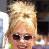 Melanie Griffith con un peinado de moño despuntado
