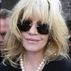 Melanie Griffith, un icono del cine en sus peores peinados