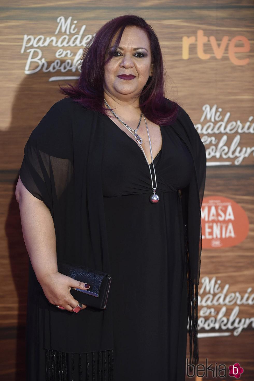 Edith Salazar con el cabello midi y suelto
