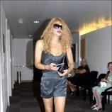 Courtney Love paseando por Los Ángeles