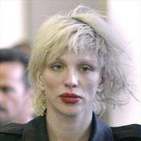 Courtney Love llegando a los juzgados de Los Ángeles
